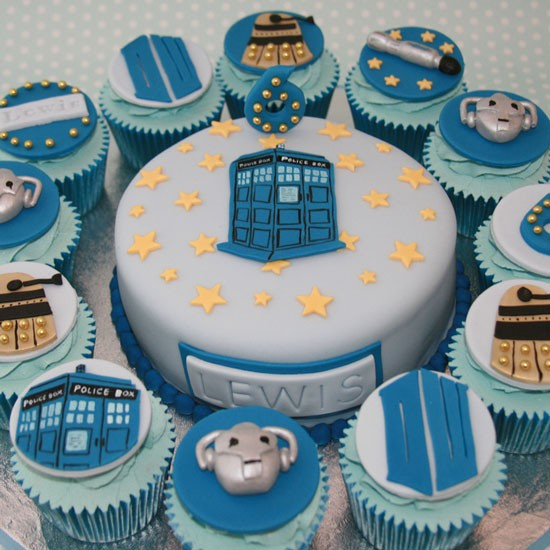 How To Make A Tardis Cake Without Fondant