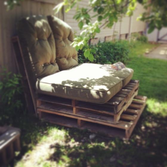 pallet sofa insta